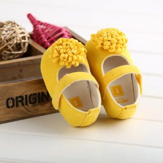 yellow shoes for newborn
